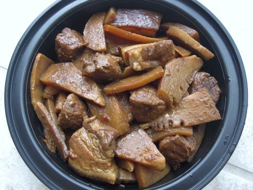 Bamboo Shoots Stewed Pork 竹笋烧肉